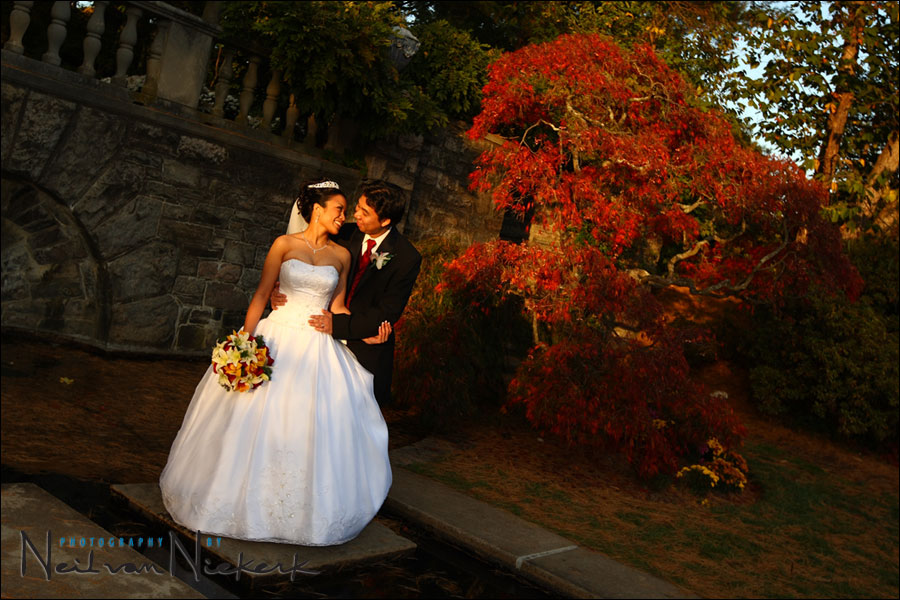 Skylands Manor wedding bride and groom romantic photos