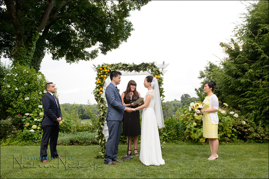 Kittle House wedding - outdoor ceremony